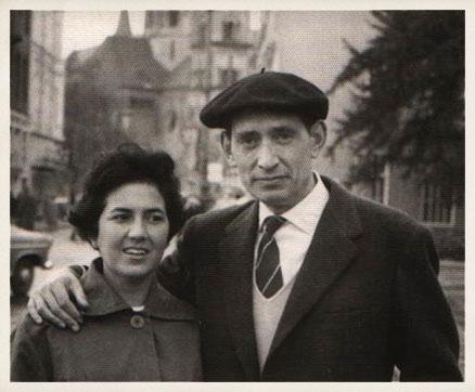 Miguel Delibes y su esposa, Ángeles, en Bonn (Alemania).