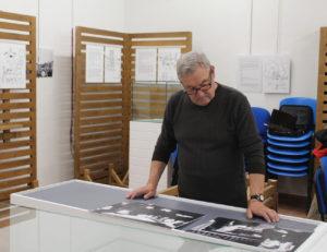 Montaje de la exposición en Santovenia de Pisuerga
